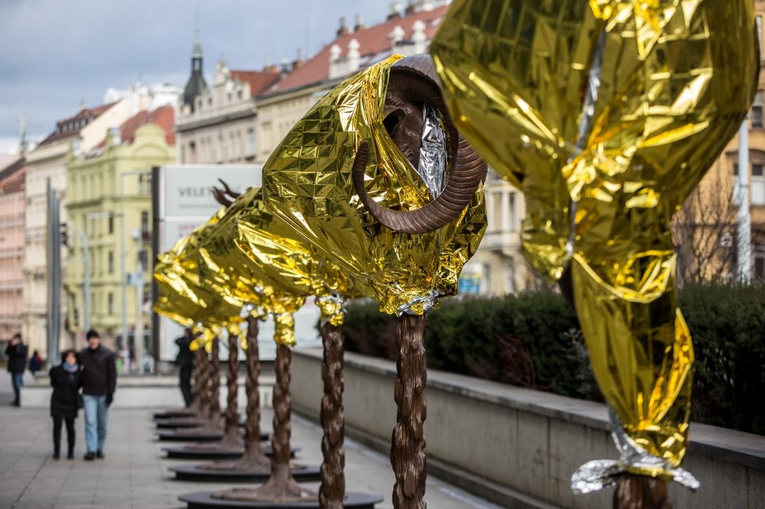 Ai Weiwei Presents Sculptures 'Circle of Animals / Zodiac Heads' In Prague